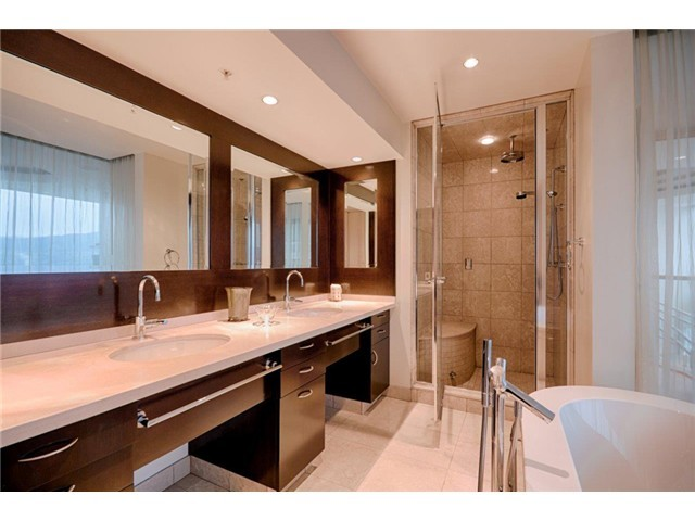 Penthouse-Bathroom.jpg