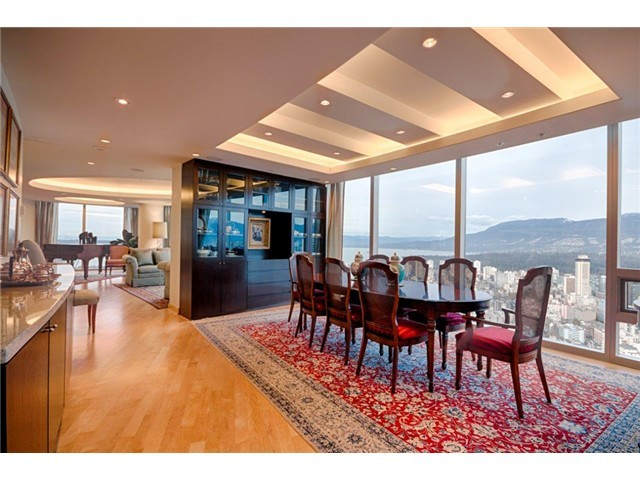 Penthouse-Dining-Room.jpg