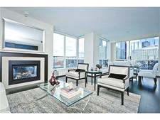 Chinatown Condo for sale:  2 bedroom 1,326 sq.ft. (Listed 2016-11-09)