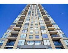 Viscount Alexander Park Condominium for sale:  3 bedroom  (Listed 2016-03-01)