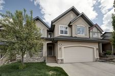 Calgary Crestmont Executive Home  3 bedrooms