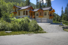 Sun Peaks House for sale:  4 Bedroom + Family Room + 1 Bedroom Suite 3,497 sq.ft. (Listed 2012-11-05)