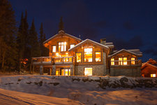Sun Peaks House for sale:  5 bedroom 3,557 sq.ft. (Listed 2012-08-21)