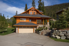 Sun Peaks House for sale: The Cottages 4 bedroom 1,882 sq.ft. (Listed 2013-12-16)