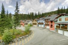Sun Peaks Condo for sale: Snow Creek Village 1 bedroom 591 sq.ft. (Listed 2009-09-04)