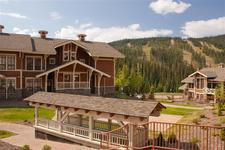 Sun Peaks Condo for sale: Stone&#039;s Throw 2 bedroom 922 sq.ft. (Listed 2011-03-06)