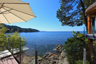 West Vancouver House for Sale: Waterfront, 5 bedroom, 4 bathroom, 4,581 sq.ft.