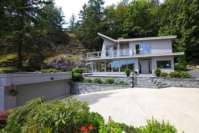 Eagleridge House for sale: 3/4 bedroom 2,671 sq.ft.