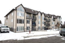 East End Condo for sale:  2 bedroom 1,106.54 sq.ft. (Listed 2014-03-31)