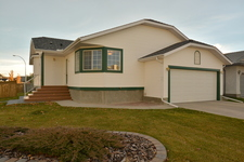 West Valley House for sale:  3 bedroom 1,287.37 sq.ft. (Listed 2014-10-20)