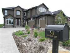 Cochrane Lake Condo for sale:  3 bedroom 3,259.34 sq.ft. (Listed 2014-11-28)