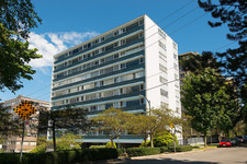 West End Apartment for sale:301-710 Chilco Street - Chilco Towers 3 bedroom 1,600 sq.ft.