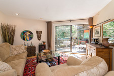West End Apartment for sale: Pendrell Mews 1 bedroom 631 sq.ft. (Listed 2015-05-11)