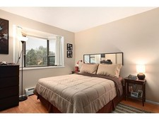 Hastings Condo for sale:  1 bedroom 667 sq.ft. (Listed 2013-03-11)