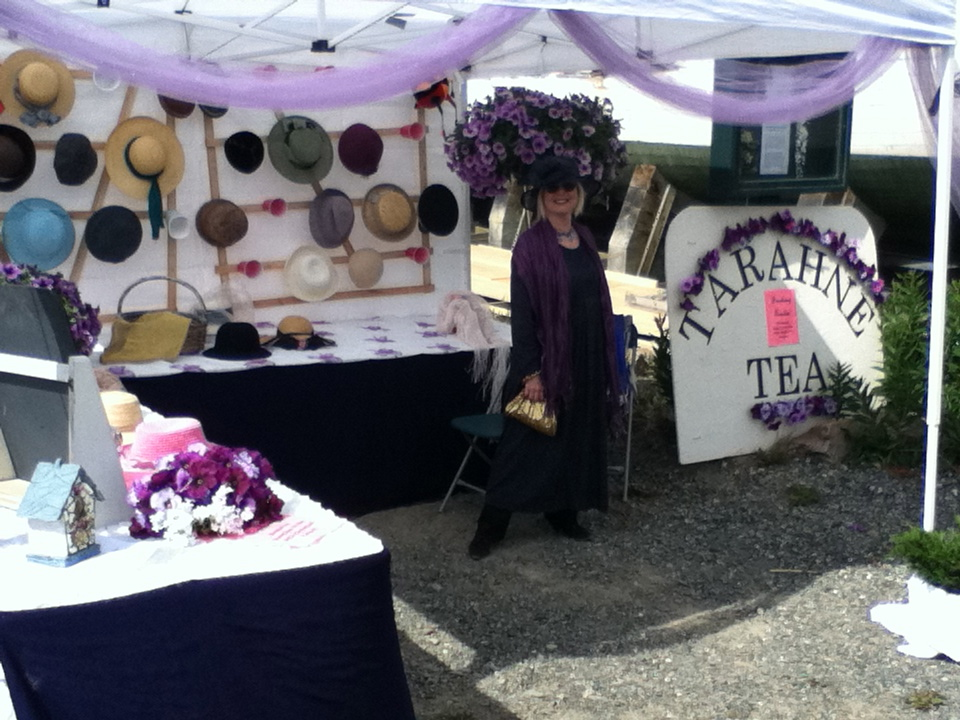Tarahne Tea 2011 hat booth