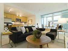 Lower Lonsdale Condo for sale:  1 bedroom 659 sq.ft. (Listed 2012-10-22)