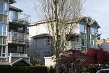 Fairview Apartment for sale: Villa 937 1 bedroom 706 sq.ft. (Listed 2013-04-29)
