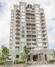 COQUITLAM Apartment for sale: THE FRONTENAC 2 bedroom 916 sq.ft. (Listed 2017-06-07)