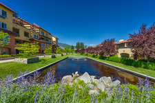 OSOYOOS Waterfront Complex, Condo for sale: Casa Del Lago 1 + Den 736 sq.ft.