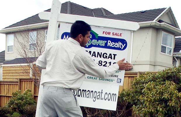 RBC Waves Red Flag Over Vancouver Housing Market