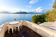 Howe Sound Waterfront Property for sale:  3 bedroom 3,112 sq.ft.