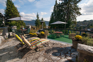 Deep cove Property for sale:  3 bedroom 2,167 sq.ft. (Listed 2014-09-17)