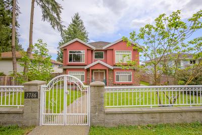Suncrest House for sale:  7 bedroom 3,169 sq.ft. (Listed 2017-05-23)