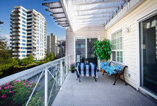 Kerrisdale Apartment - Penthouse Unit for sale: The Vineyard 2 bedroom 801 sq.ft.
