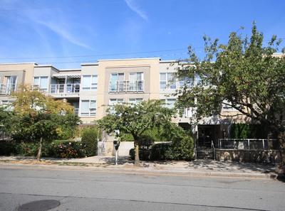 Kitsilano Apartment for sale:  2 bedroom 935 sq.ft.