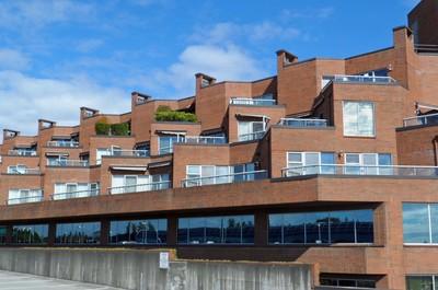 Oakridge Apartment for sale:  2 Bedroom Plus Den 1,703 sq.ft.