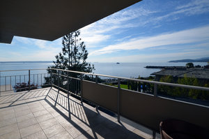 Dundarave Condo for sale: The Seastrand  569 sq.ft. (Listed 2014-03-03)