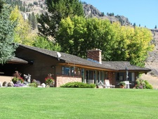 Midway Country Estate for sale:  4 bedroom 5,052 sq.ft. (Listed 2013-04-22)