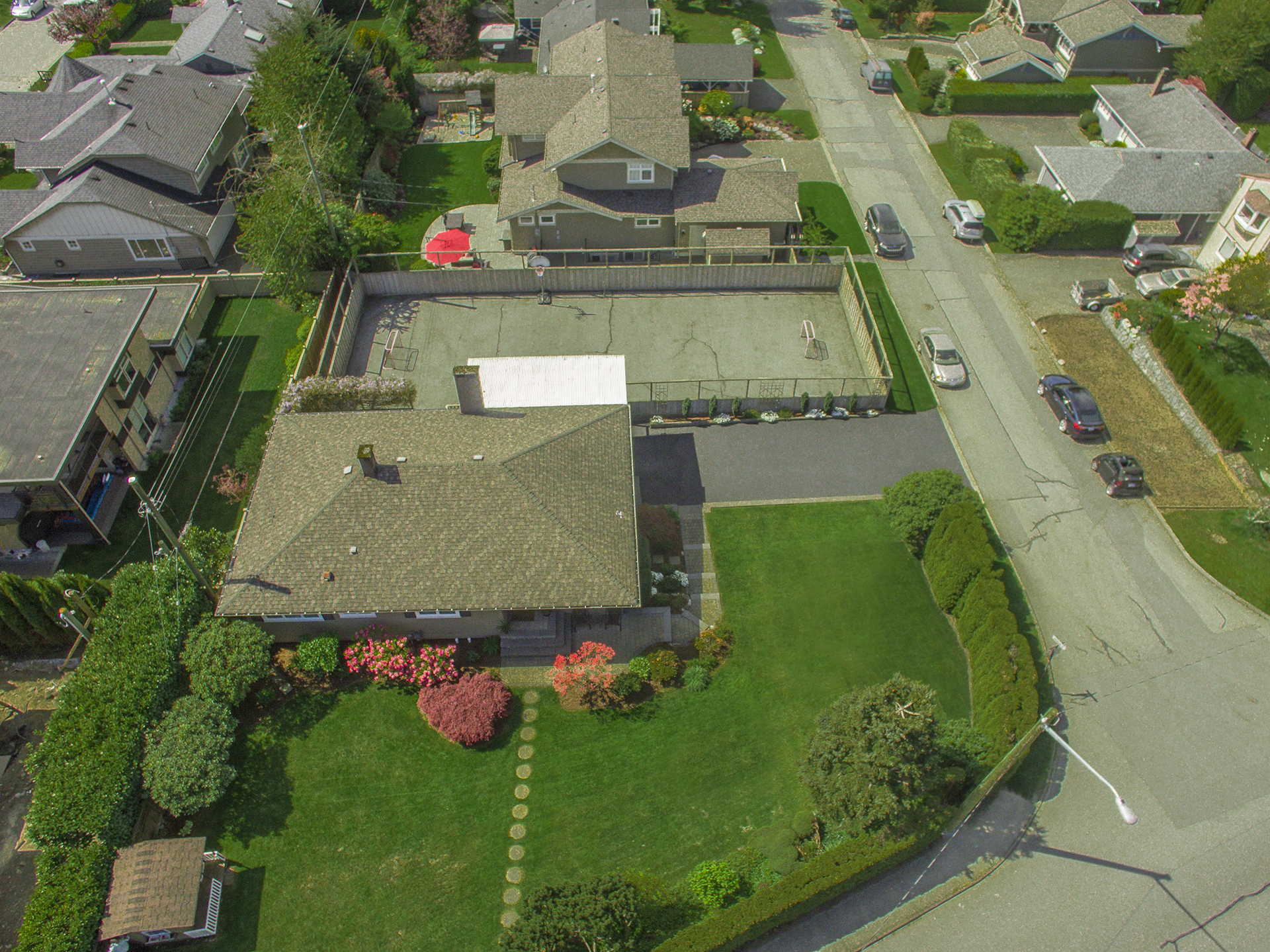 Canyon Heights House for sale:  4 bedroom 2,743 sq.ft. (Listed 2016-04-19)