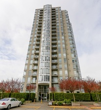 Surrey Apartment for sale: The Camelot 2 bedroom 1,050 sq.ft. (Listed 2014-07-11)