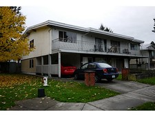 Burnaby Duplex for sale:  10 bedroom 4,900 sq.ft. (Listed 2014-11-04)