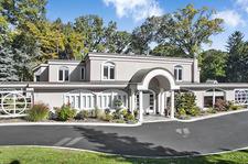 Lorne Park House for sale: 7 + 1 (Listed 2016-10-04)
