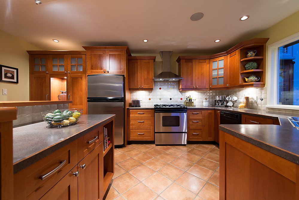 109 West Balmoral Road Kitchen