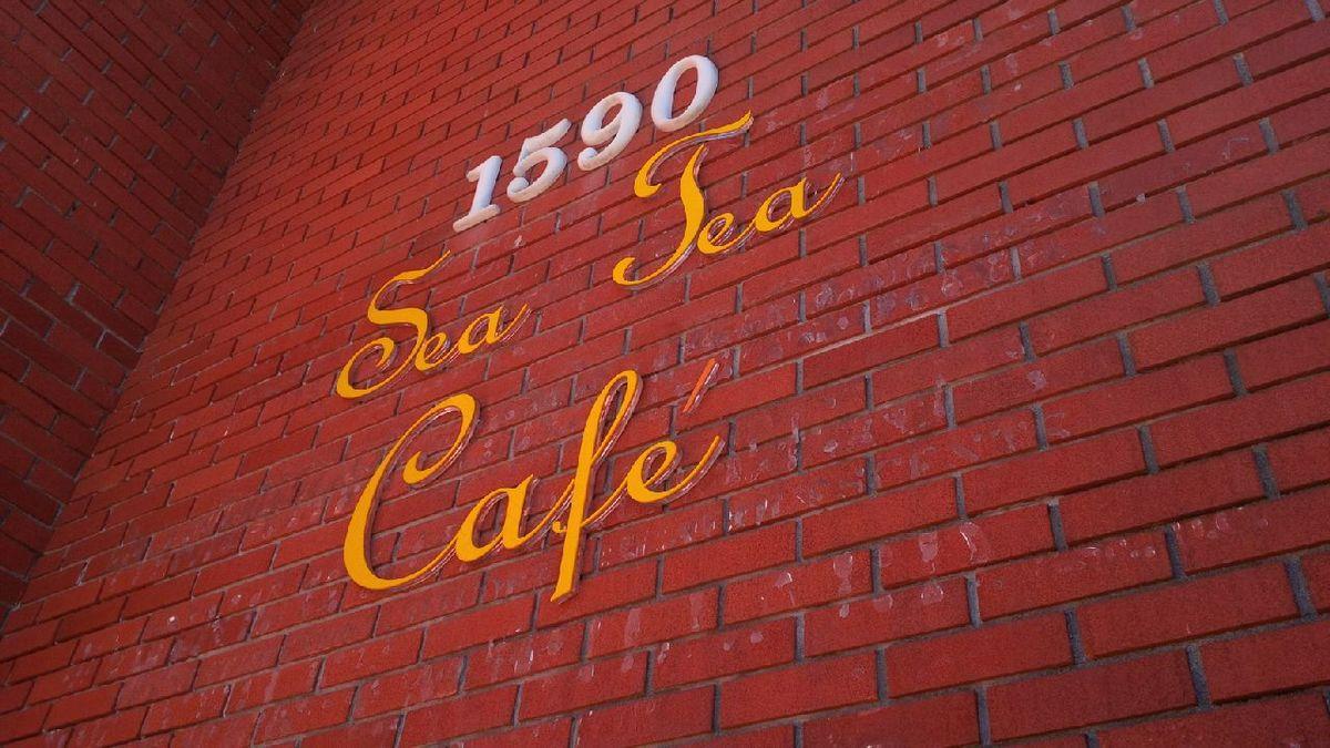 1590 Bellevue West Vancouver, The Sea Tea Cafe