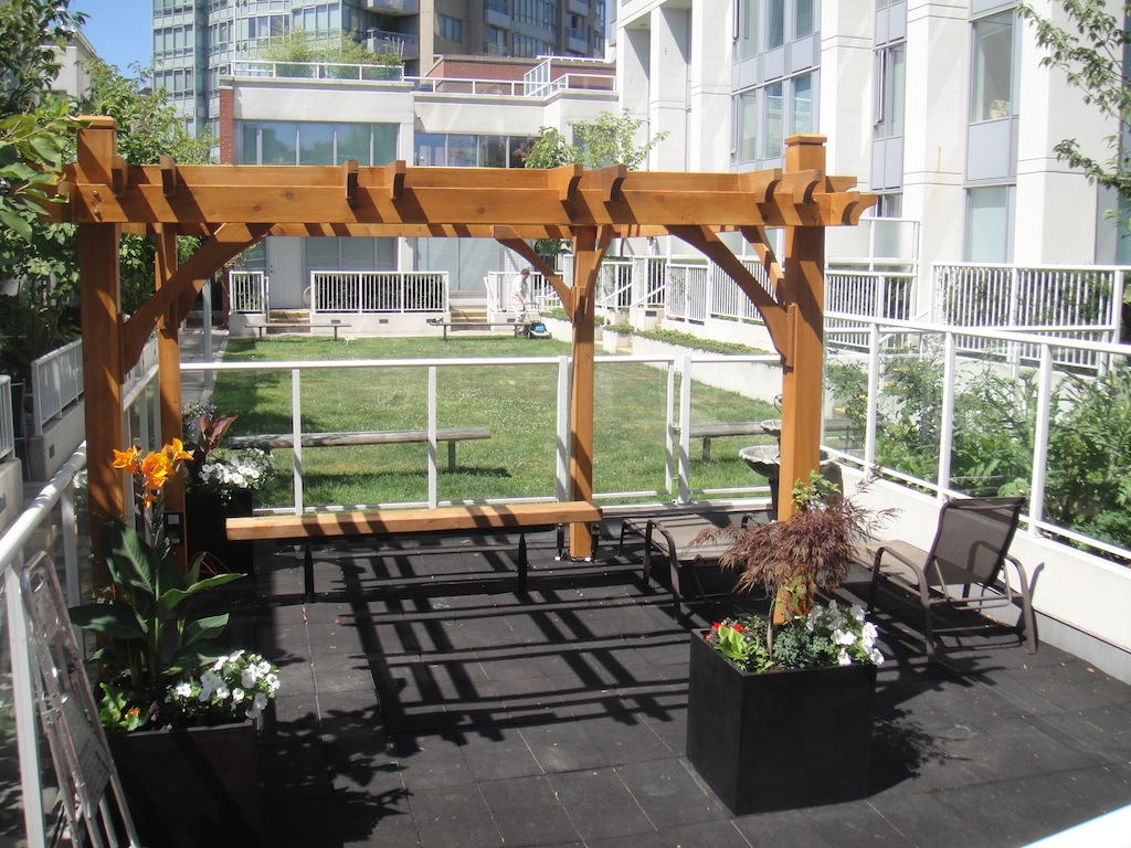 550 Taylor Street (The Taylor) - Common Patio - Crosstown Vanouver #1