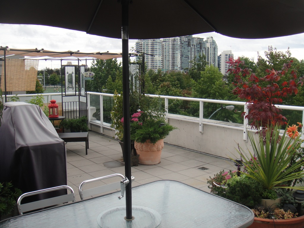 (CrosstownCondos.com) #21 - 550 Taylor Street Townhouse Roof-Top Patio by Jay McInnes #3