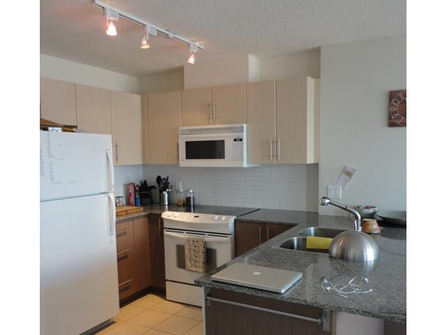 2205 - 550 taylor st kitchen 2.jpg