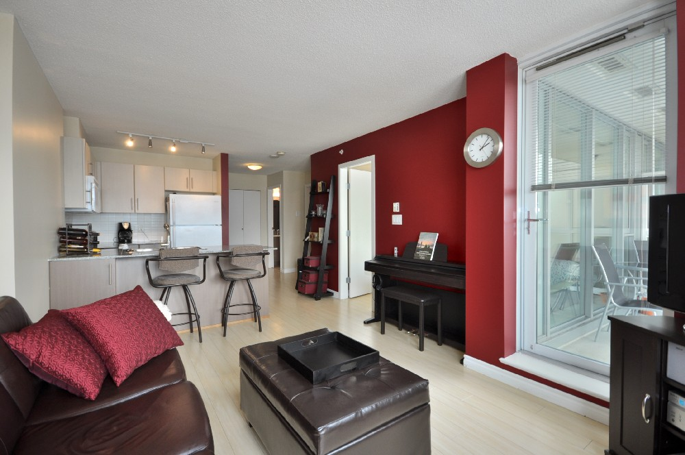 #2206 - 550 Taylor St (The Taylor) - 3