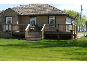 None House for sale:  3 bedroom 1,079 sq.ft. (Listed 2017-06-22)