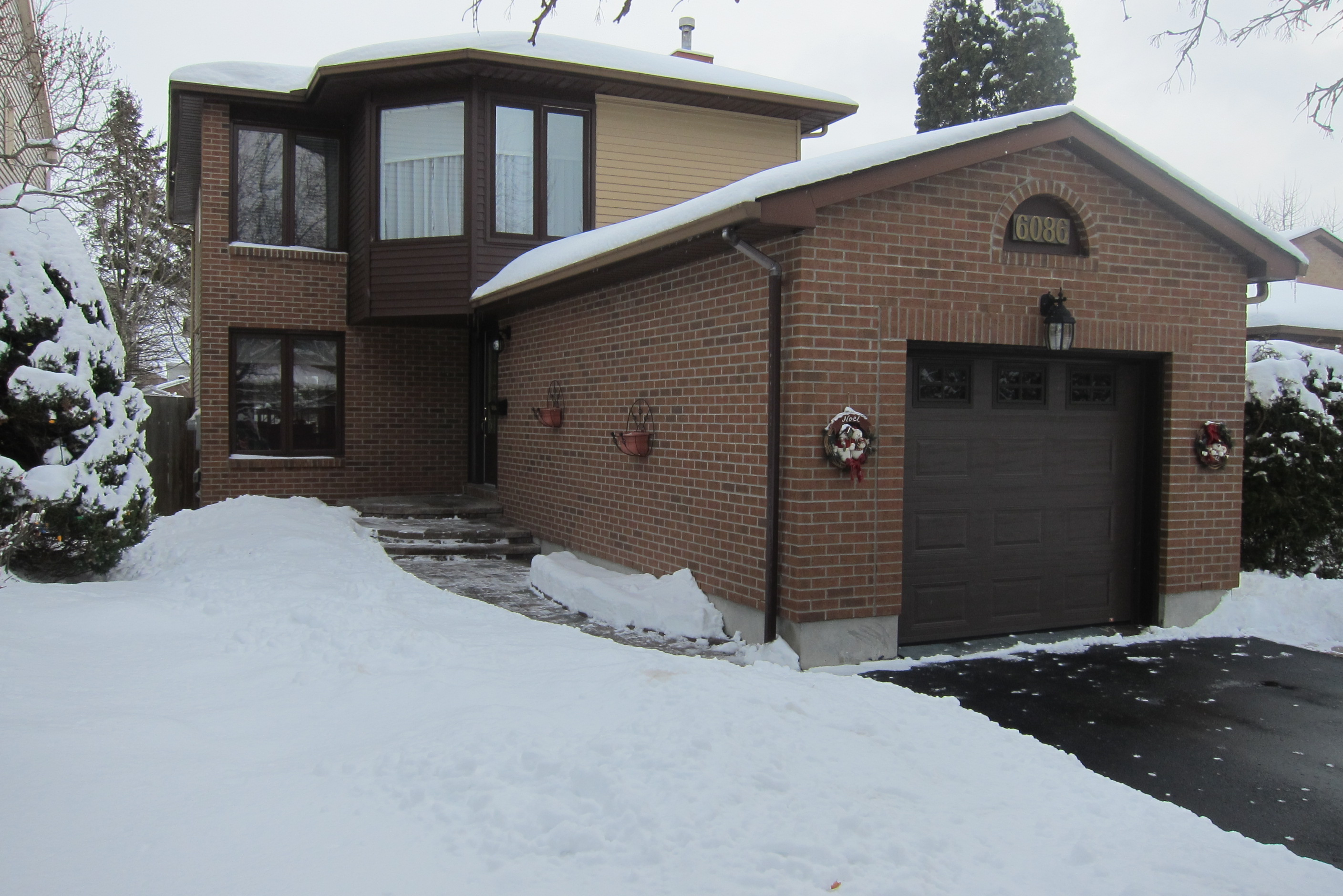 ^ Blog: NW LISING! 6086 idgelea Place, (hapel Hill) Ottawa, ON