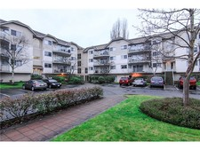 Langley City Apartment for sale: VISTA GARDENS 2 bedroom 1,075 sq.ft. (Listed 2014-10-28)