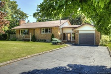 Carlisle Detached home for sale:  3+1  Stainless Steel Appliances, Granite Countertop, Tile Backsplash, Hardwood Floors, Plush Carpet  (Listed 2014-06-24)