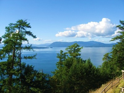 Pender Island Waterfront Residence for sale:  8 bedroom 5,713 sq.ft. (Listed 2014-02-16)