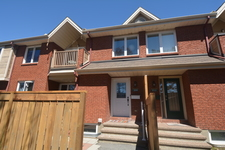 Fallingbrook, Orleans Stacked Condo for sale: Club Citadelle 1 bedroom  Laminate Floors  (Listed 2017-05-16)