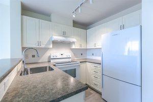 Kitsilano Condo for sale:  1 bedroom 680 sq.ft. (Listed 2017-03-09)