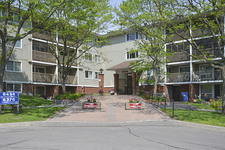 Orleans wood Apartment for sale:  2 bedroom  (Listed 2014-05-28)